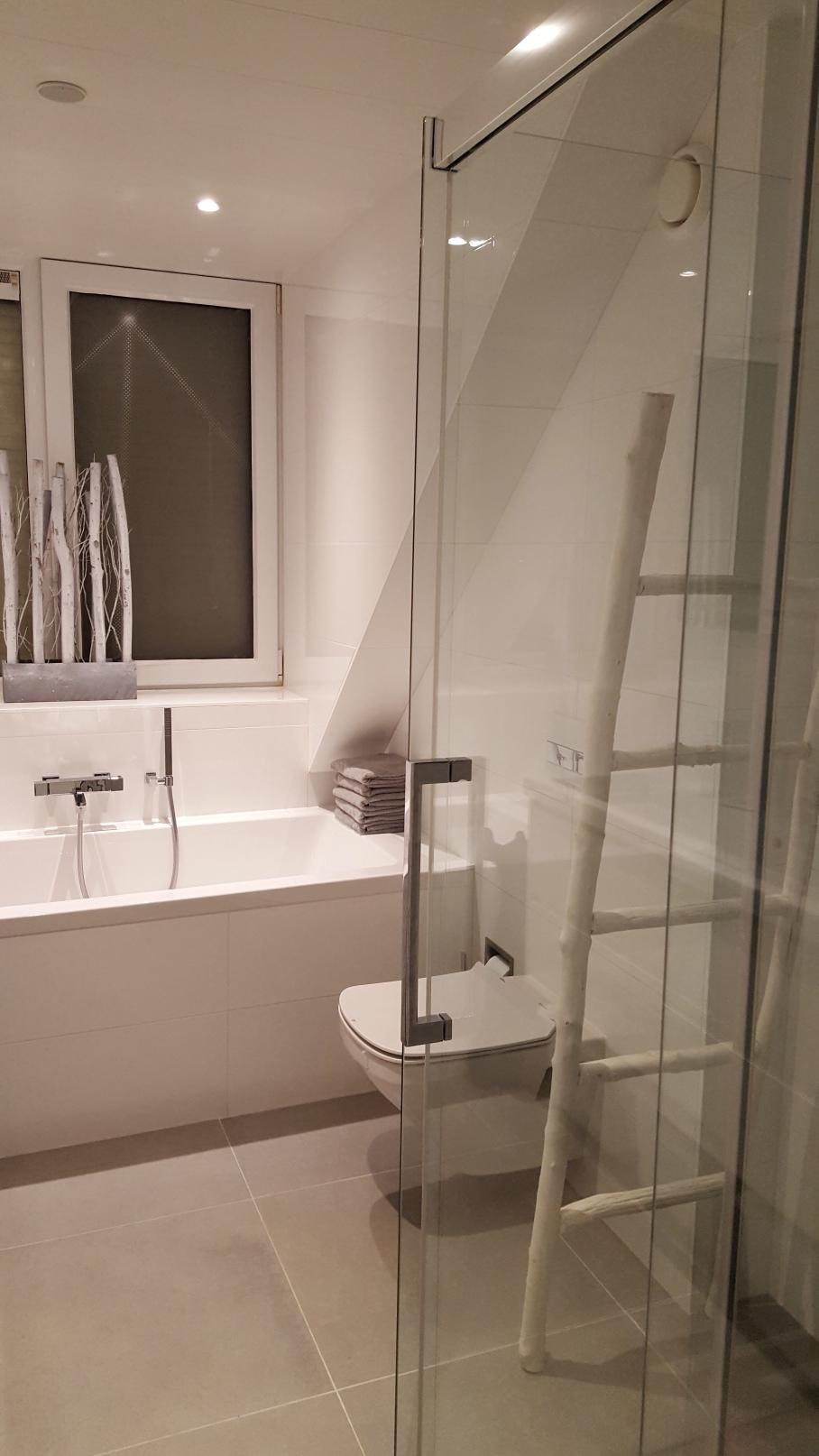Een trapje in de badkamer. | tips4family.nl 👩 👧 👦